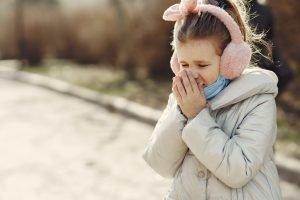 cara mengatasi batuk pada anak saat tidur