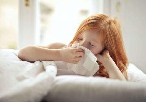 demam anak naik turun disertai batuk pilek